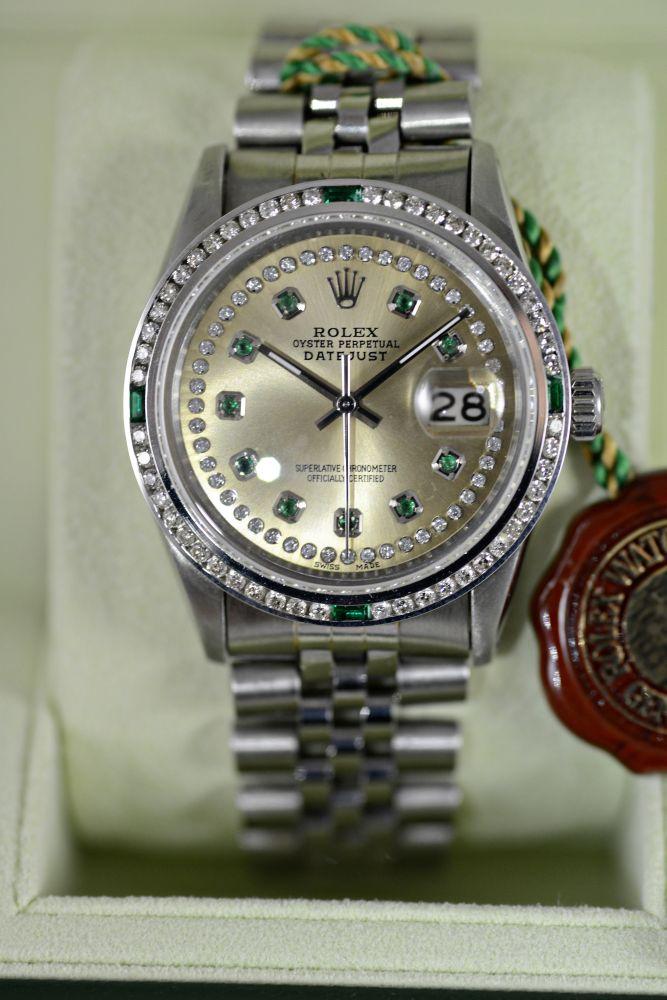 Rolex Datejust Mit Champagner Zifferblatt Diamanten Und Smaragden